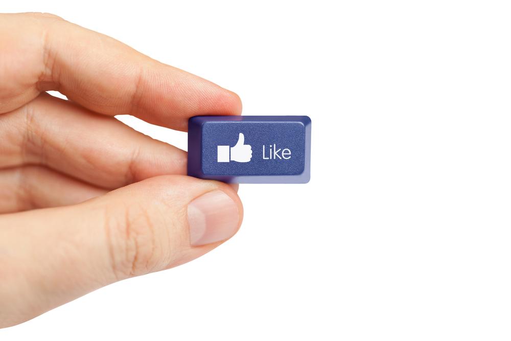 ¿Cómo publicar en Facebook en varios idiomas?