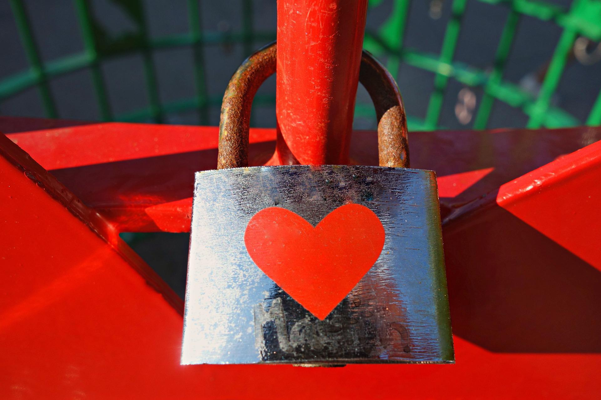 Dato che l'amore non si può comprare, vendi romanticismo